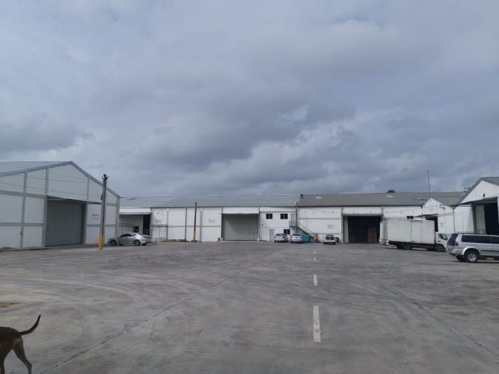 Nave Industrial en renta en el Higuero de 800mts2