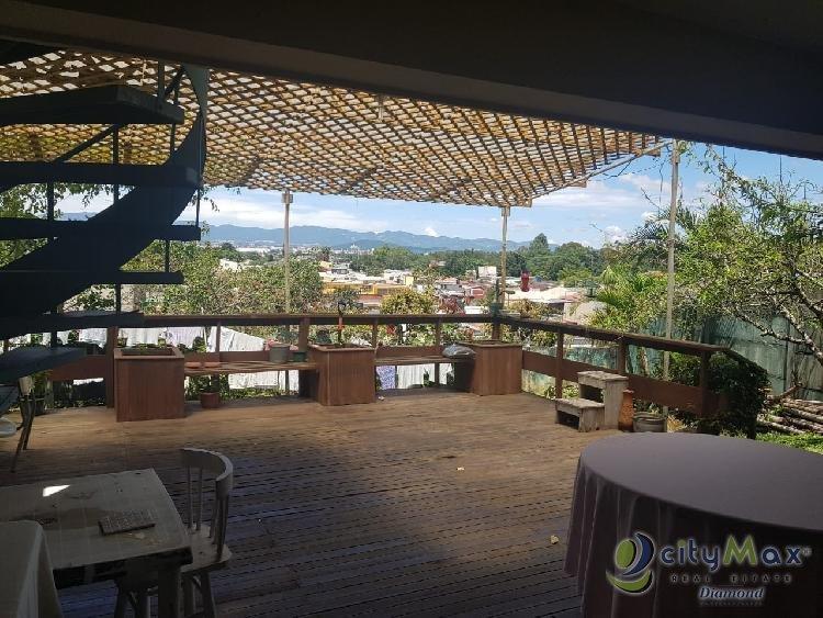 Venta de hermosa casa en Lourdes Zona 16