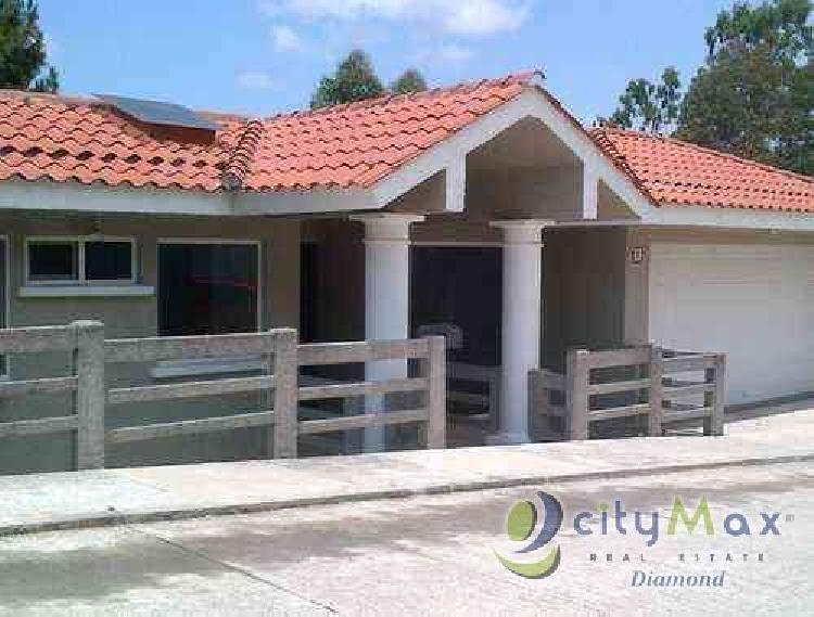 Alquilo Casa con 400.00m2 en Santa Catarina Pinula PAC-036-05-12-1