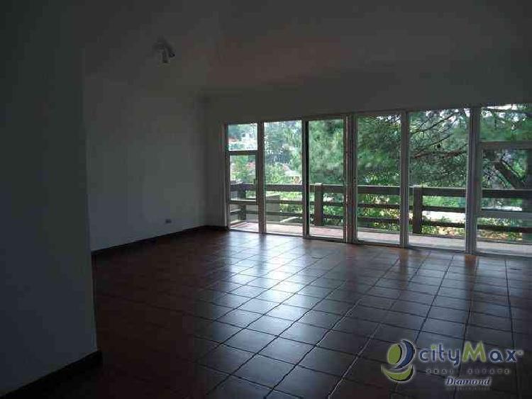 Alquilo Casa con 404.00m2 en Santa Catarina Pinula PAC-020-05-13