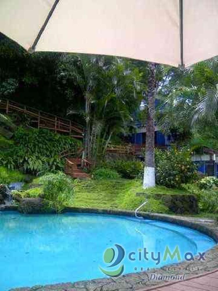 VENTA casa en Km.10 Carretera al Salvador en condominio