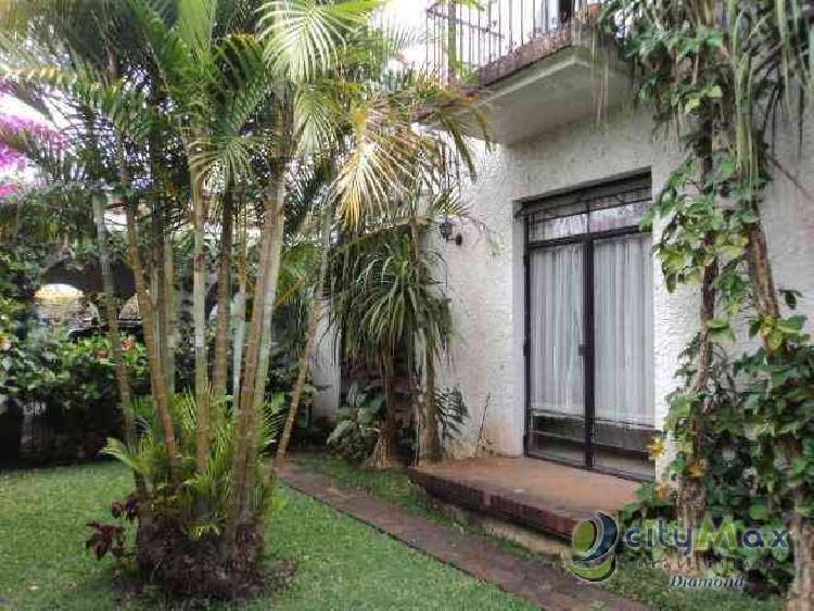 Vendo Amplia y hermosa residencia en zona 15 VH3