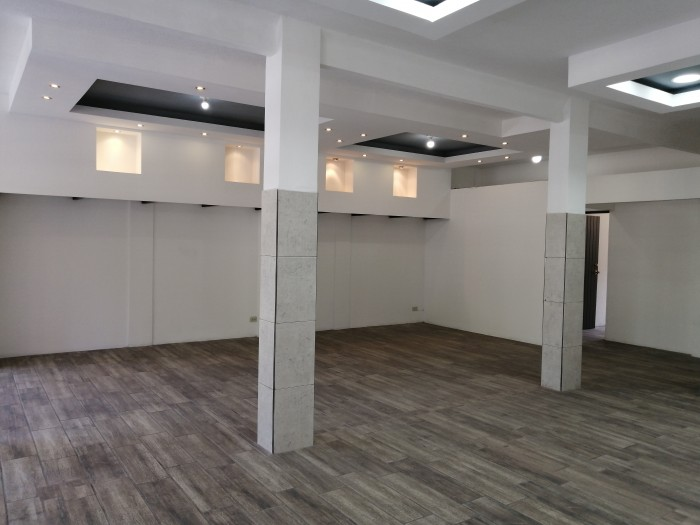 Se Renta Local Comercial en Zona 10 Diagonal 6