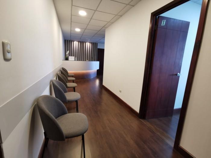 Consultorio  Médico en Edificio Condado El  Naranjo
