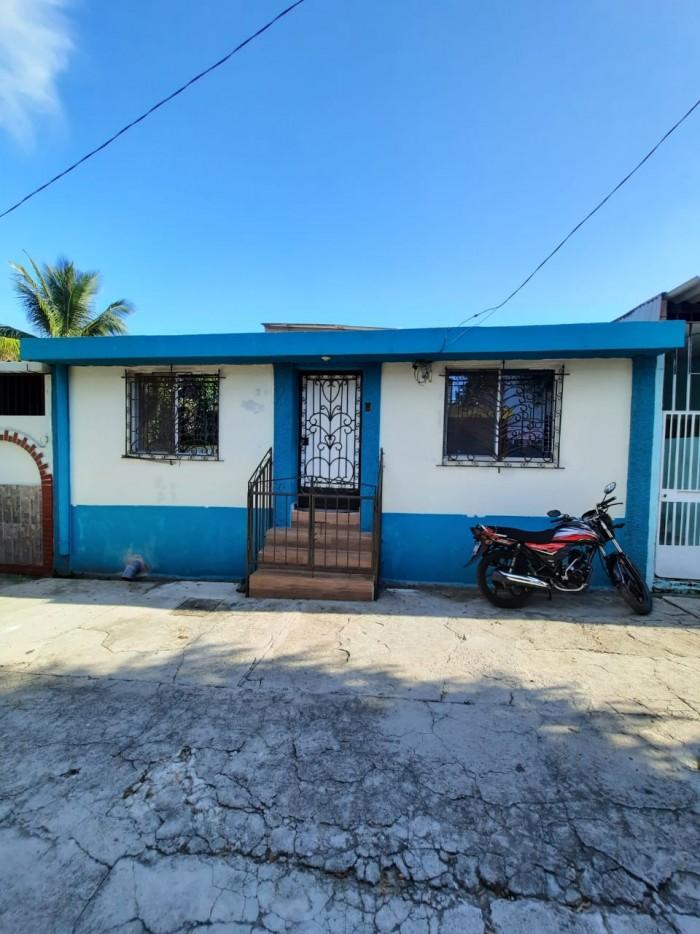 Amplia casa en venta en Valle Nuevo 1 Soyapango