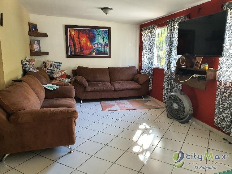 AMPLIA propiedad con 2 apartamentos Blv Sur Santa Tecla