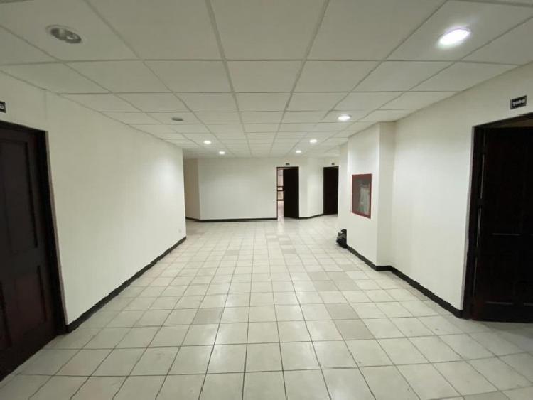 Oficina en Nivel completo en renta en Torre Xela