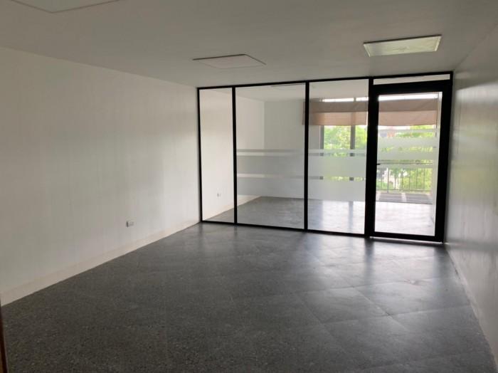 Oficina en renta zona 9 cercana a Plazuela España