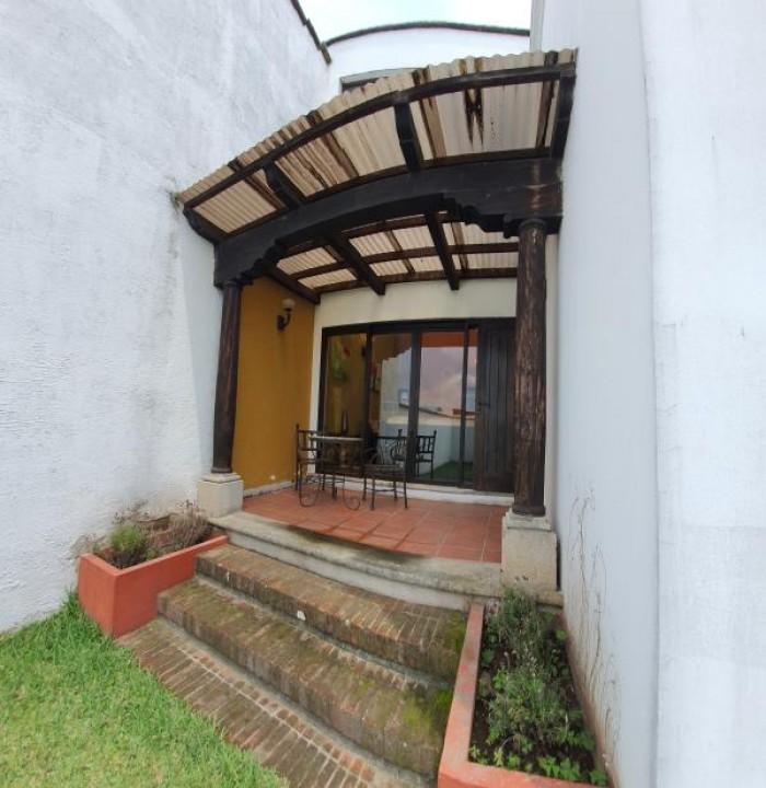 ¡Casa Amueblada en Venta en San Pedro las Huertas!