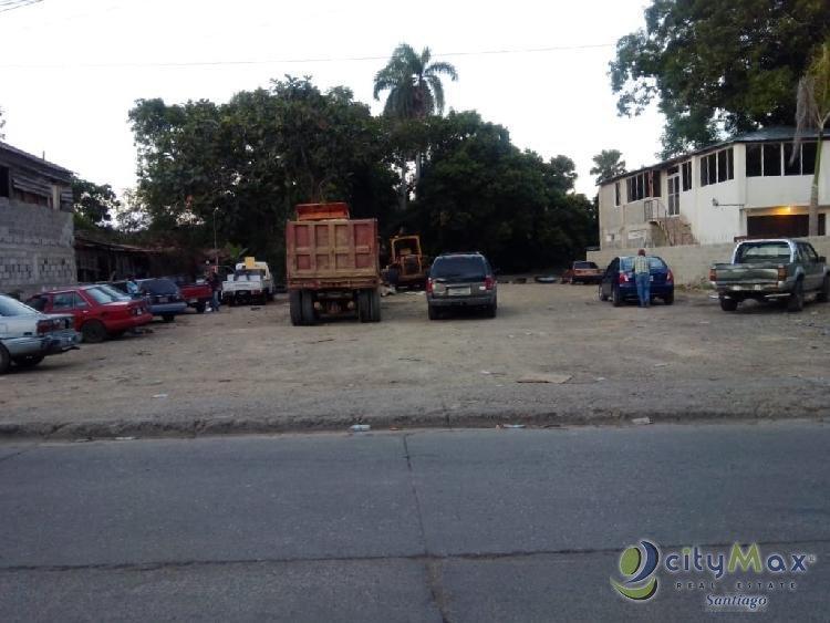 Terreno comercial en venta en gurabo SANTIAGO.