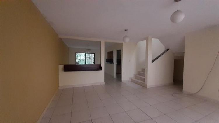 Casa en Venta Pinares de San Cristobal Guatemala