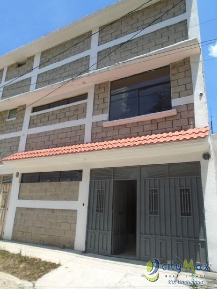 Vendo Casa de 3 niveles en Z6 de Mixco en Residencial