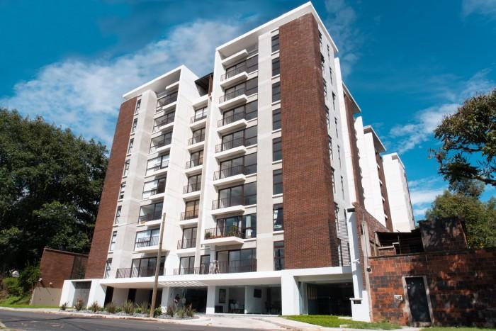 Apartamento en Renta zona 12 de 3 habitaciones