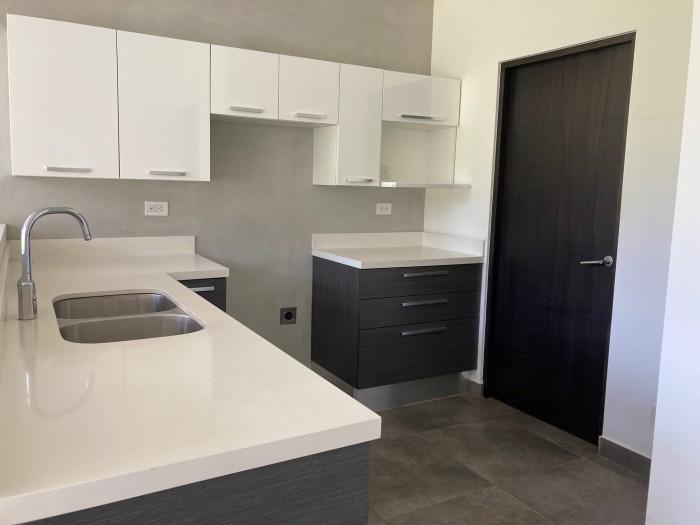 CityMax vende cómodo Apartamento en Condominio, Escazú