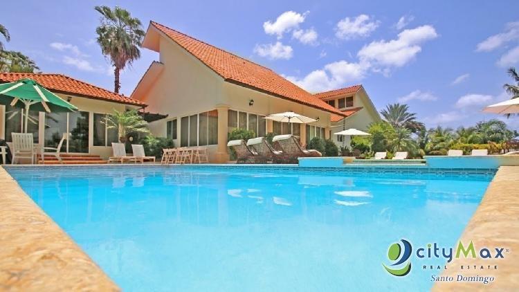 Hermosa y Elegante Villa en Venta en Casa de Campo