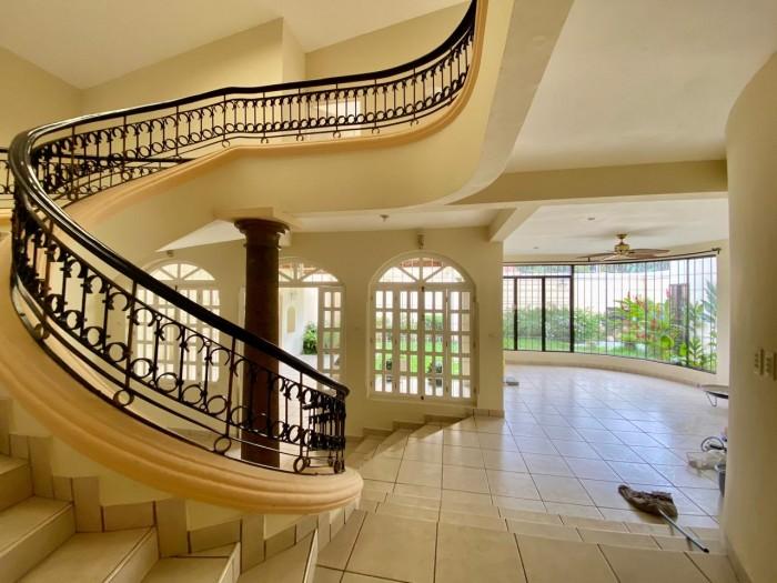 Madreselva- Santa Elena, casa en venta.