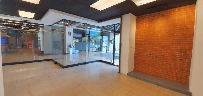 Local Comercial en Alquiler en Century Plaza, zona 13