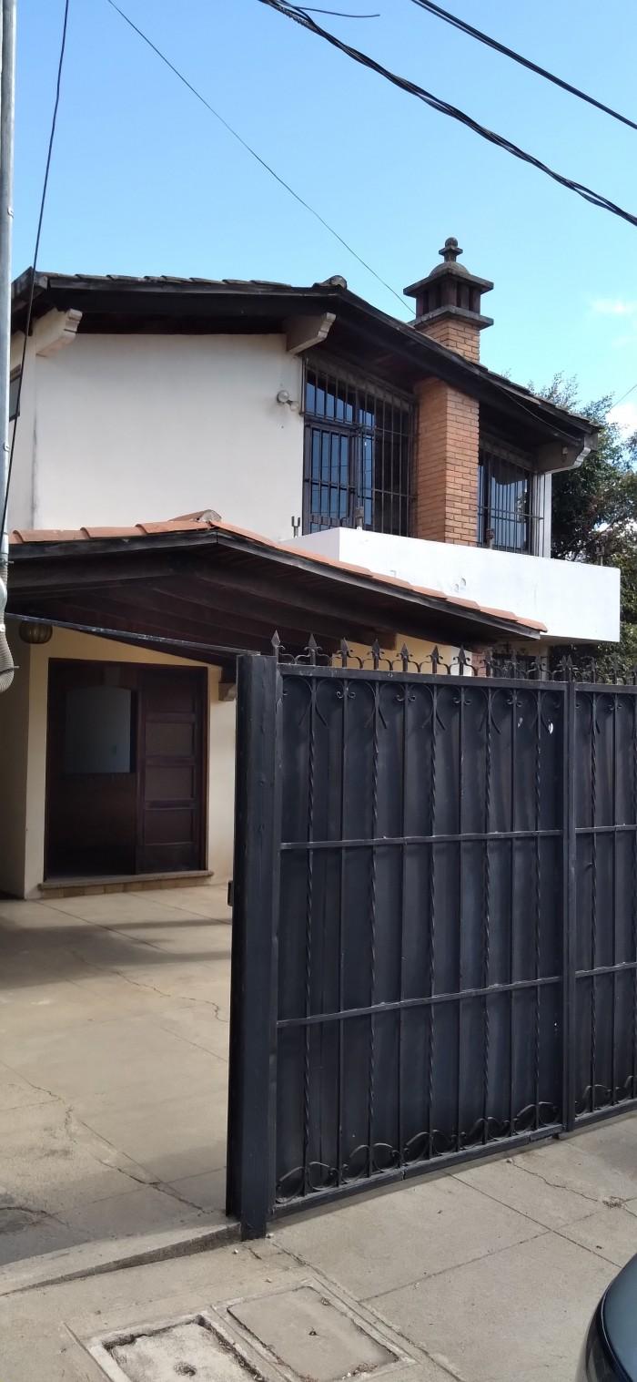 Preciosa casa en Venta en Condominio en Xela