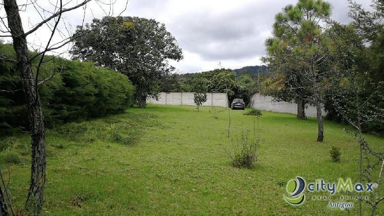 Citymax Ant vende terreno plano de esquina en Santiago