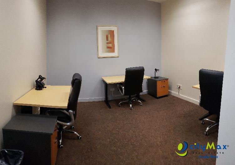 Se alquila oficina en Escazú San Jose capacidad 3 pers.