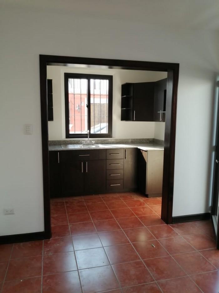 Hermosa casa de 1 nivel en venta, San Pedro las Huertas