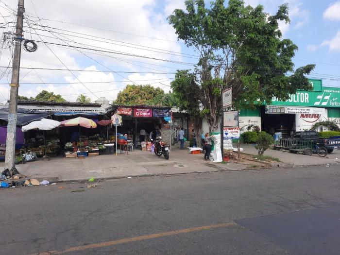 En venta AMPLIA casa de uso comercial en Sonsonate