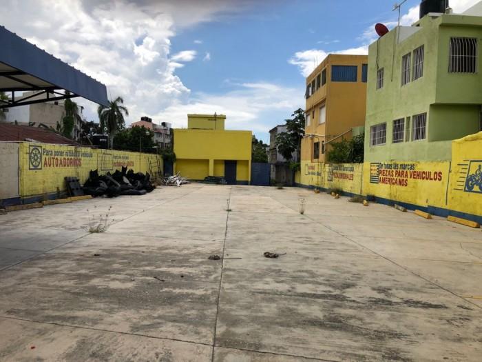 Vendo edificio comercial en HERRERA en la Isabel Aguiar