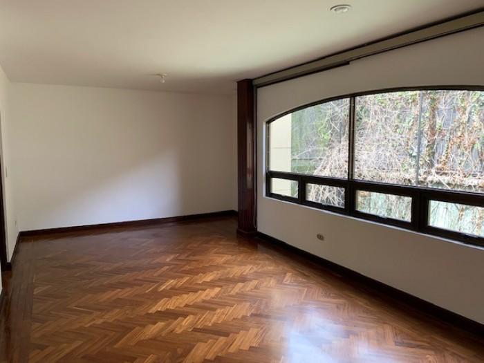 Rento apartamento excelente ubicación zona 10