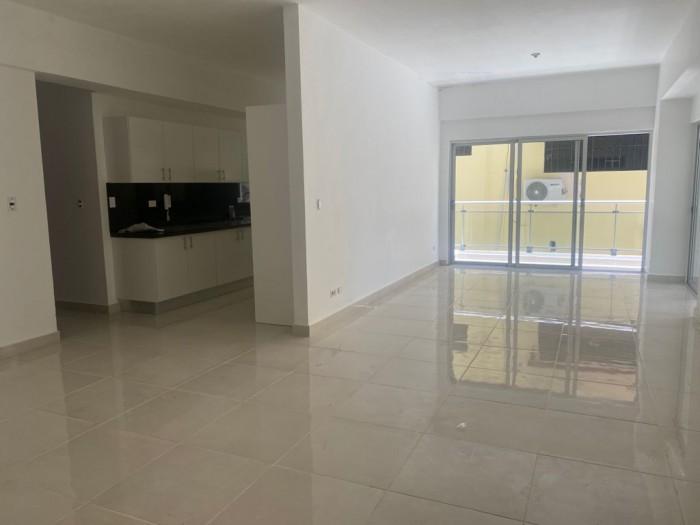 Apartamento  3 habitaciones + estudio en el Millon