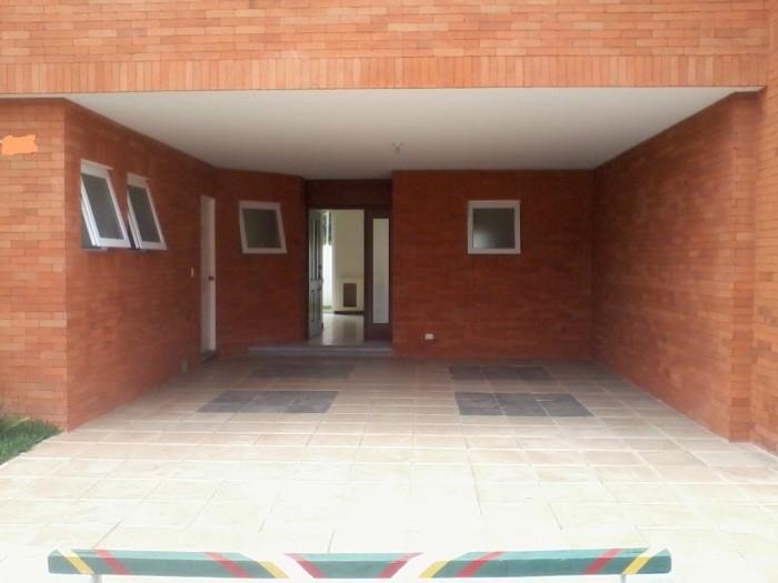 RENTA casa en condominio en San Gaspar zona 16