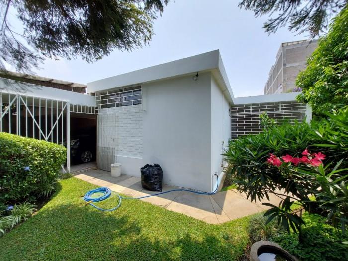 Residencia de 1 nivel en Renta en Zona 9 Guatemala