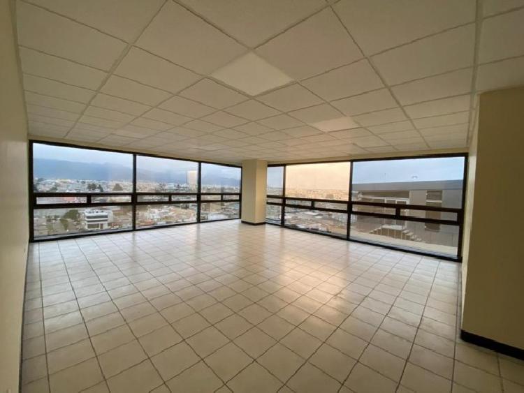 Alquilo amplia oficina en Torre Pradera XELA