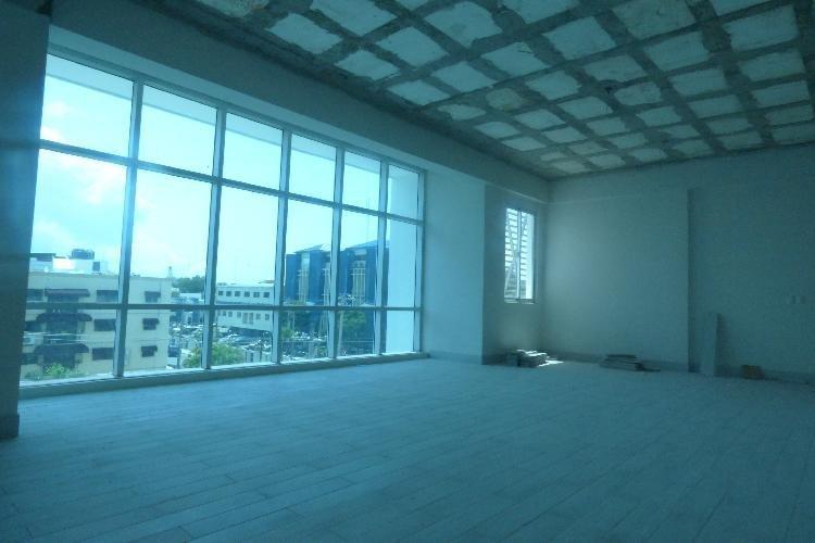 Alquiler Local Oficina, en Plaza Moderna en El Millón