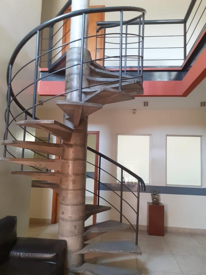 Oficina en alquiler  en Colonia Escalón (amueblada)