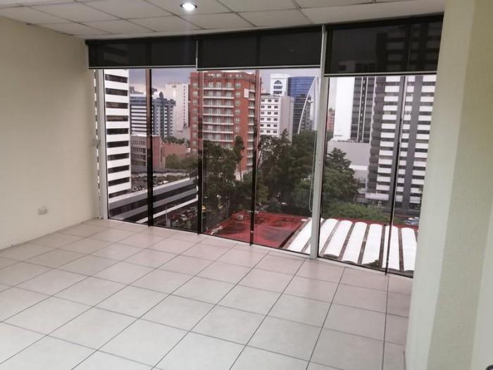 Oficina Amplia en Renta Zona 10 con vistas panorámicas