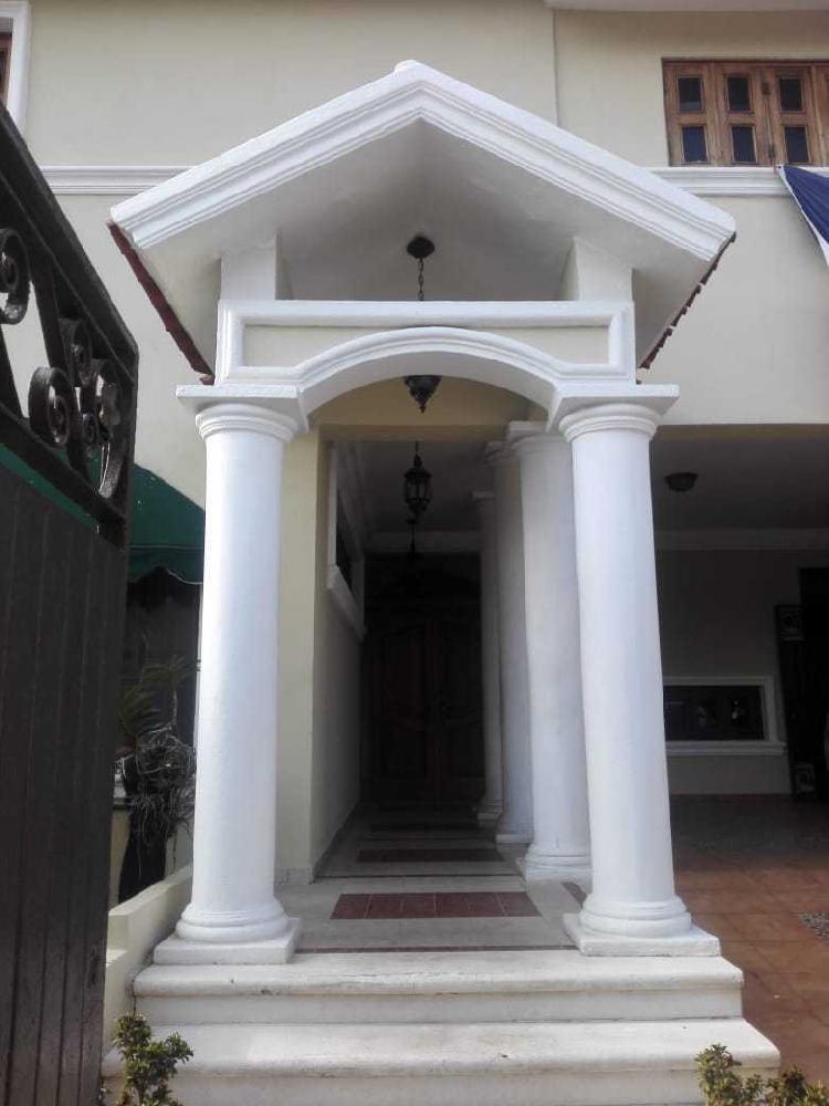 Amplia Casa en venta  en  Las Praderas