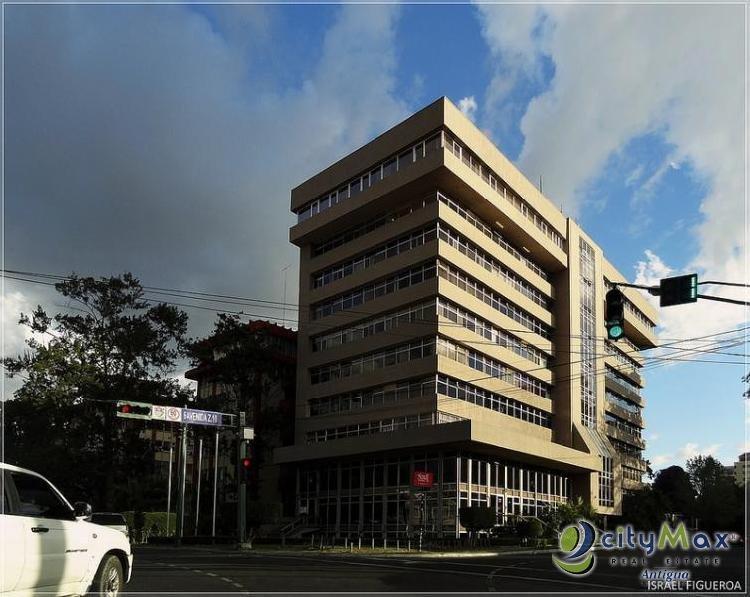 Venta oficinas dentro de torre en Zona 10 de Guatemala!