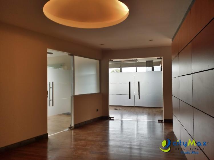 Oficina en alquiler Momentum Lindora Santa Ana CR