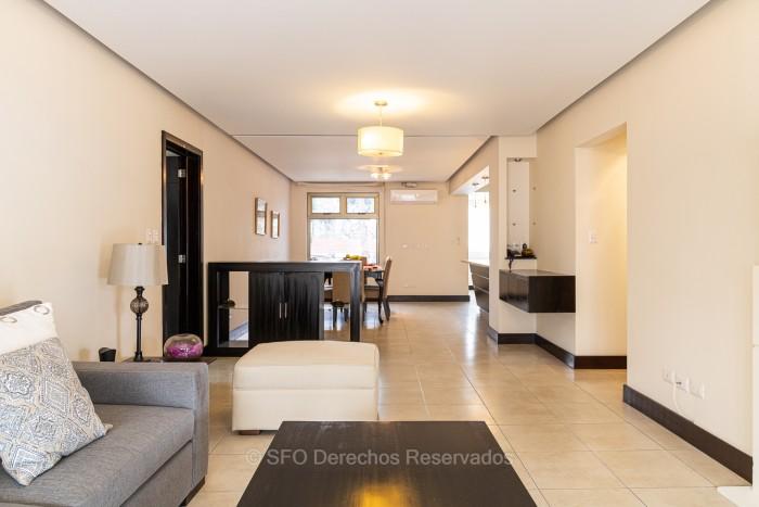 Zona 10 Apartamento Amueblado en Renta