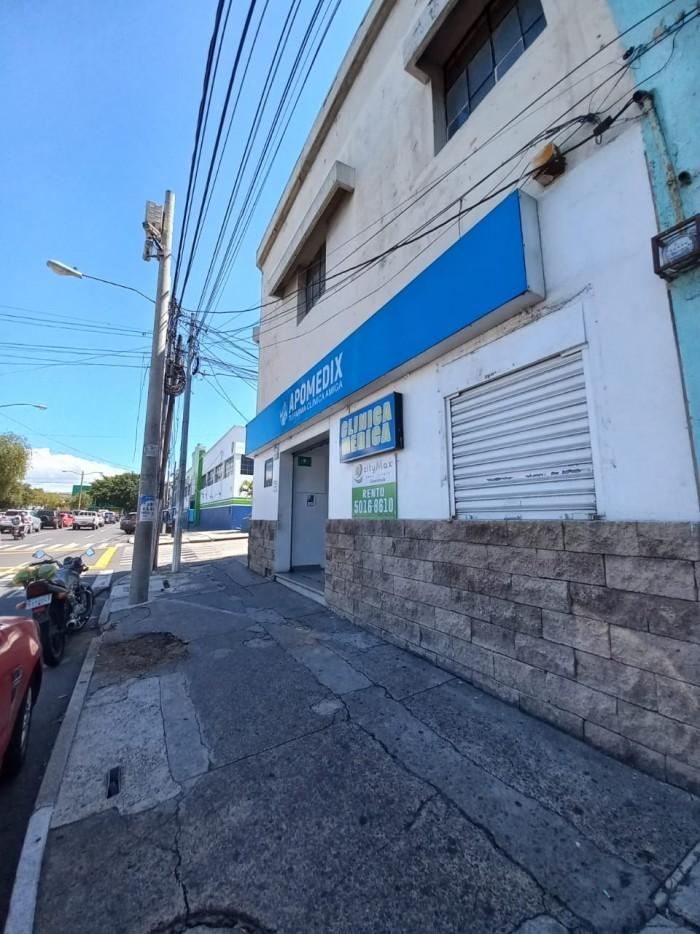 CASA COMERCIAL DE 2 NIVELES AVENIDA ELENA