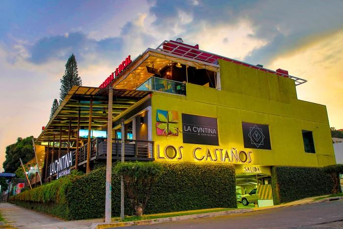 Alquilo Local en Centro Comercial Los Castaños