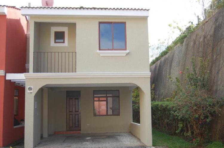 Casa en venta dentro de residencial en San Lucas