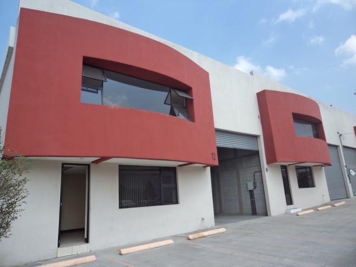 Vendo Bodega con 553 m2 en Villa Nueva