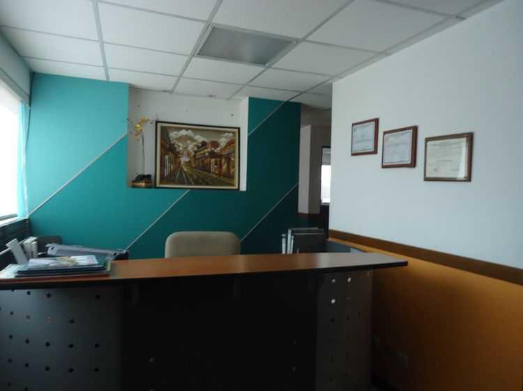 RENTA Oficina tabicada en Torino 1 zona 10